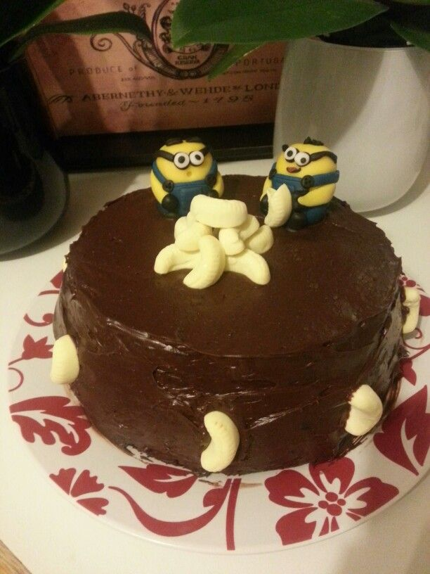 Chocolate minion cake, bananas!!!