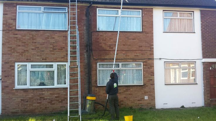 A gutter cleaning, repair and replacement service, covering the whole London area.