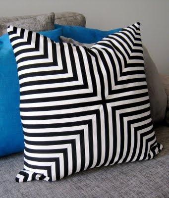 intersecting chevrons pillow -- translator on left side -- DIY tutorial ~~~