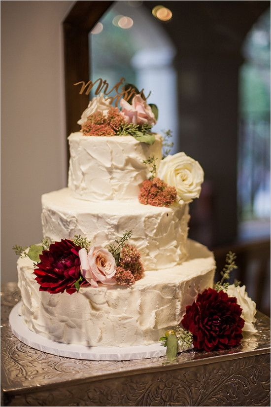 wedding cake @weddingchicks