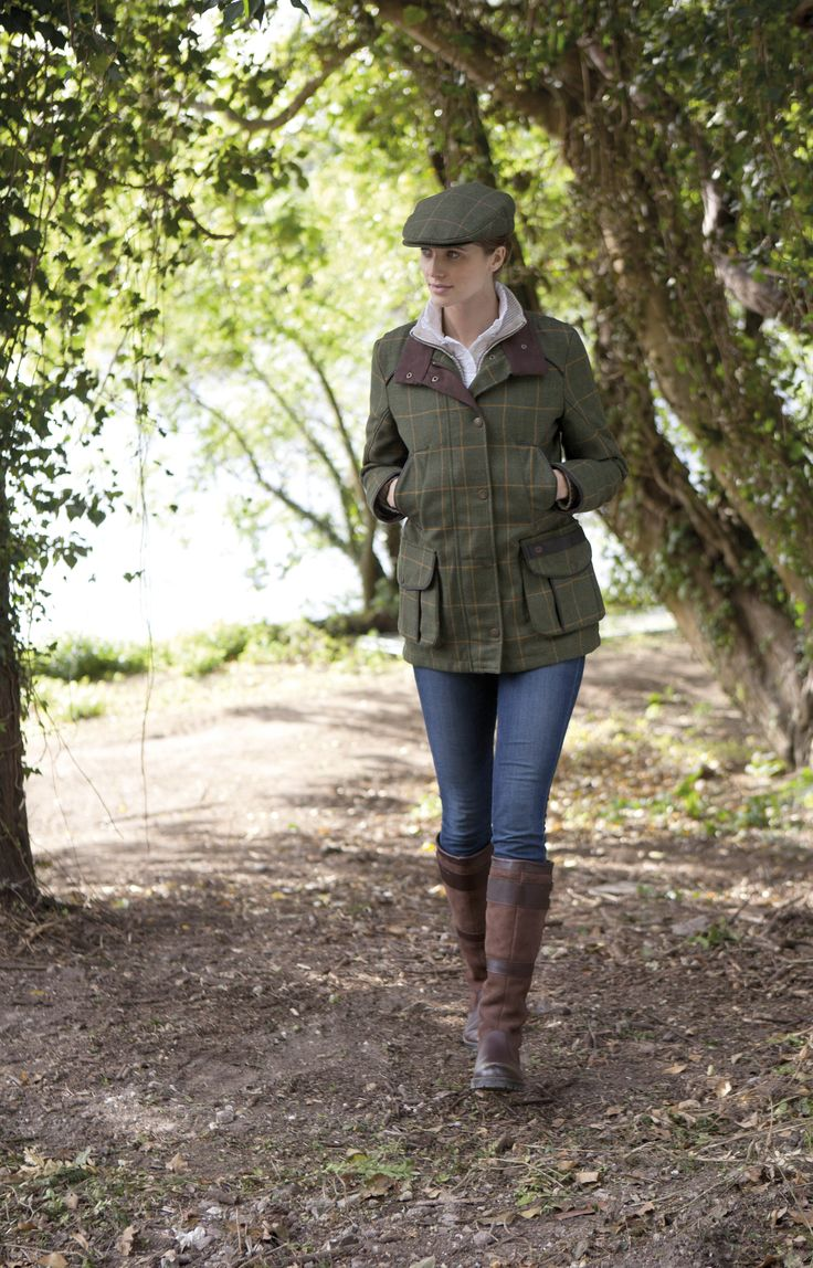 Hunting in style in this #tweed #Dubarry Marlfield #jacket with #GoreTex to keep the rain at bay. #waterproof #breathable