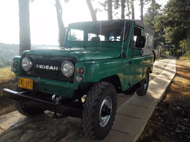 """1979 Nissan Patrol """"IVY"""" on a Colombian forest road."""