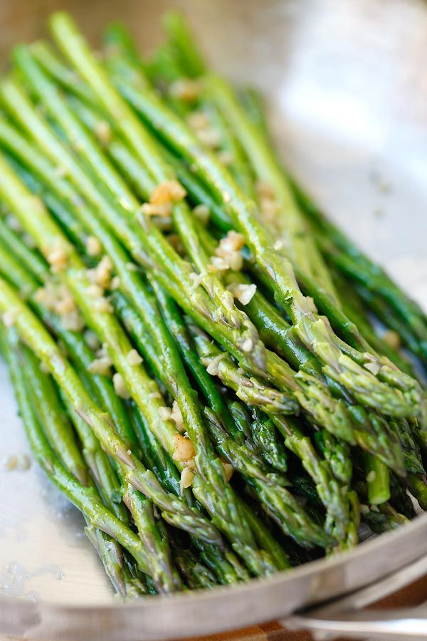 Garlic Butter Sauteed Asparagus - the easiest & healthiest asparagus recipe ever, takes only 10 mins to prep. Quick, fresh, and delicious.
