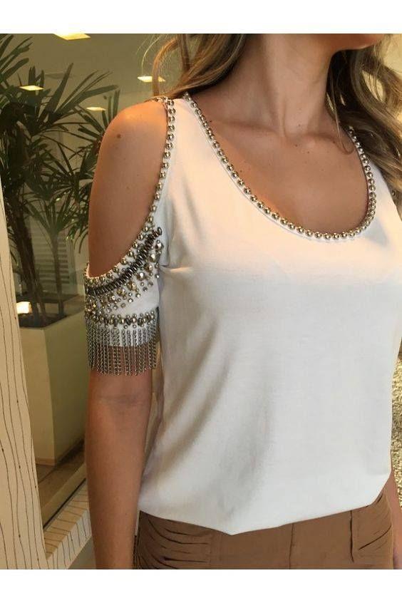 Bare-shoulder-only tee/top: shoulder cut-outs