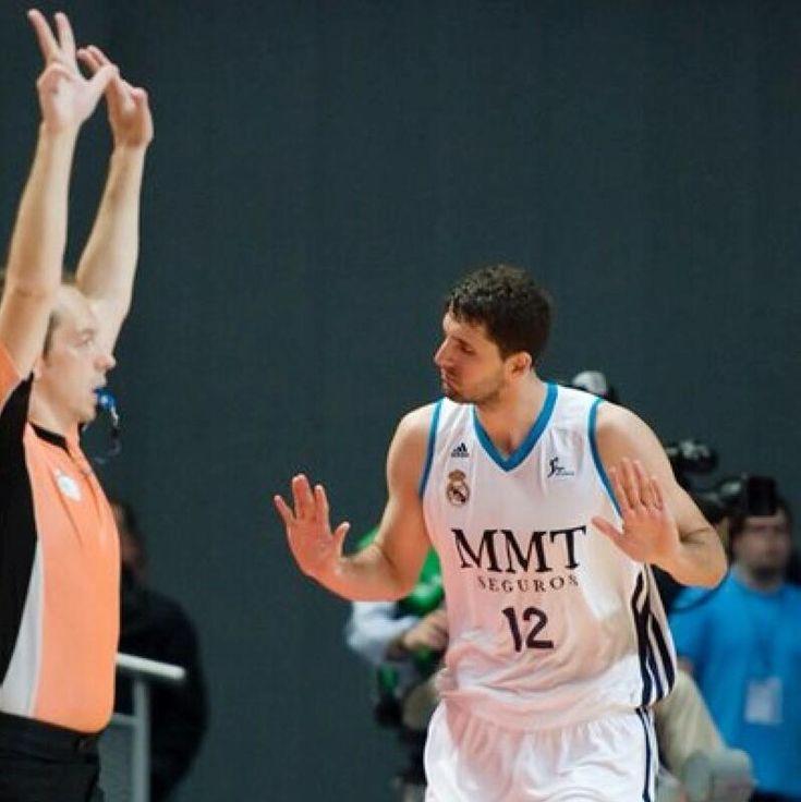 """Nikola Mirotic (Real Madrid Basketball) @ Palau Saint Jordi... """"Keep Calm"""" :P"""