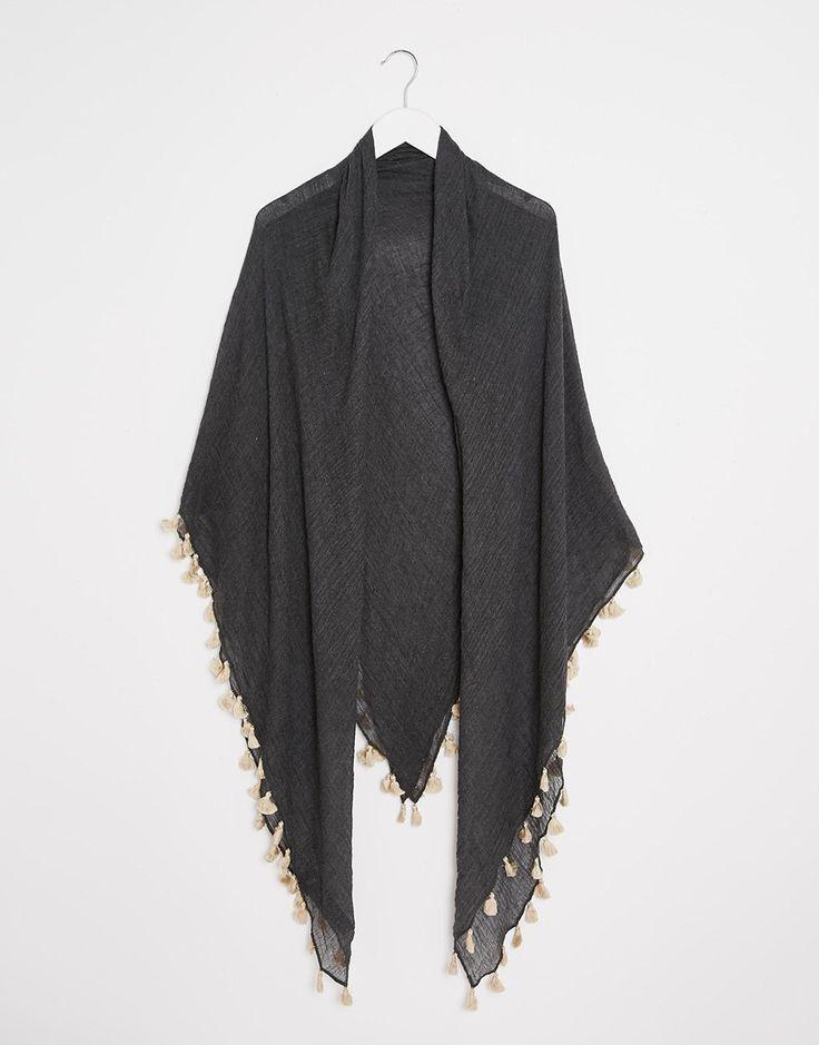 Изображение 2 из Квадратный оversize-шарф с кисточками ASOS