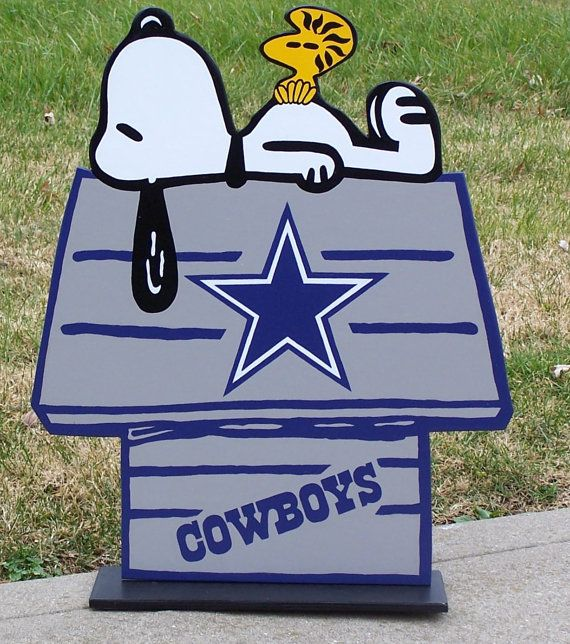 Bed Rug Dallas COWBOYS Snoopy Peanuts Wood Decor Sign DOGHOUSE with Woodstock Done in Brillant Team Colors