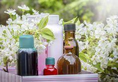 Si te gustan los aromas agradables y quieres saber cómo perfumar la casa, hoy te proponemos unas ideas de ambientadores caseros para que la casa huela bien. Son simples trucos para perfumar la casa, sin necesidad de gastar dinero en desodorantes de ambientes y productos químicos para disfrutar del aire renovado en to