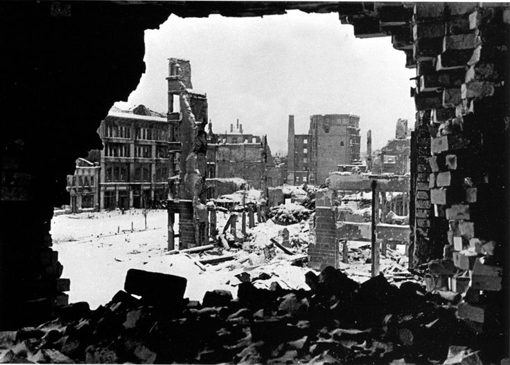 a history of the fall of germany in the battle of stalingrad I decided that it was appropriate to write an article on a battle that i  city saw  arguably one of the most significant battles in modern history  thinking that  stalingrad was going to be an easy victory, hitler, as part of his 'fall.