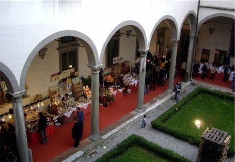"""DESCO's fair: The fair take place in the beautifull building """"Palazzo del Collegio""""."""