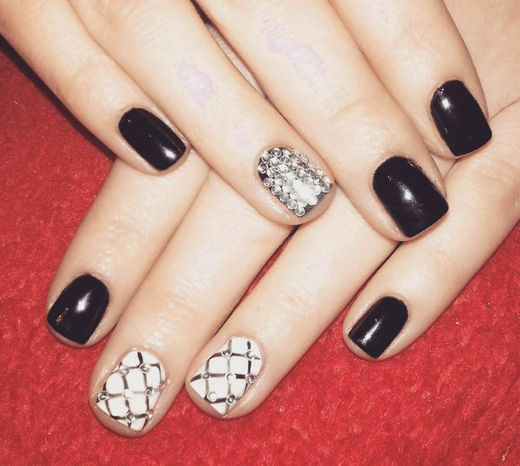 17 best ideas about shellac nail art on pinterest dot nail designs shellac nails and black white nails