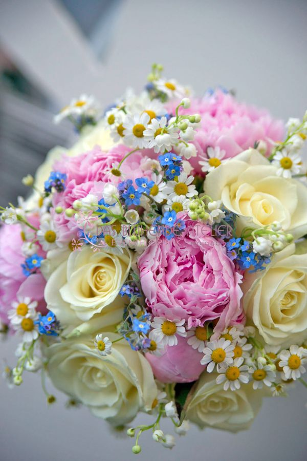 Genau so eine runde Form, nur andere Blumen - This round form, but other flowers