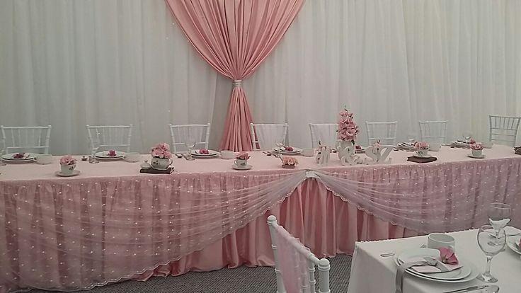Esküvő rózsaszínben.  Esküvői dekoráció.