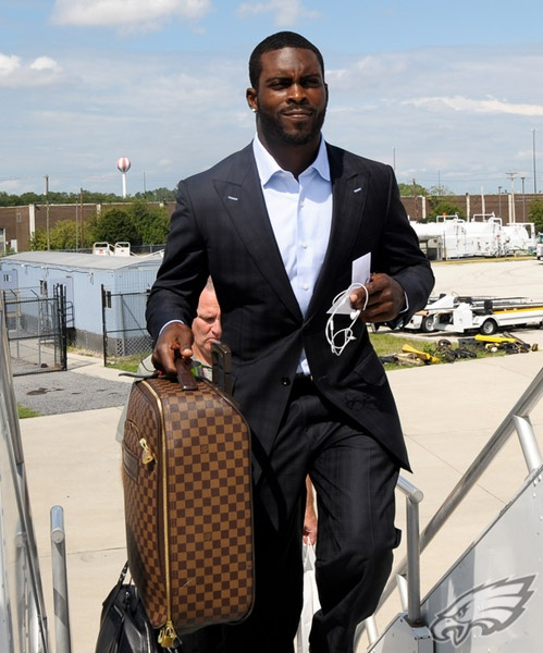 #Eagles QB Michael Vick; oh hey, look what I bought me with the dog fighting money.... I am bad-ass for real!
