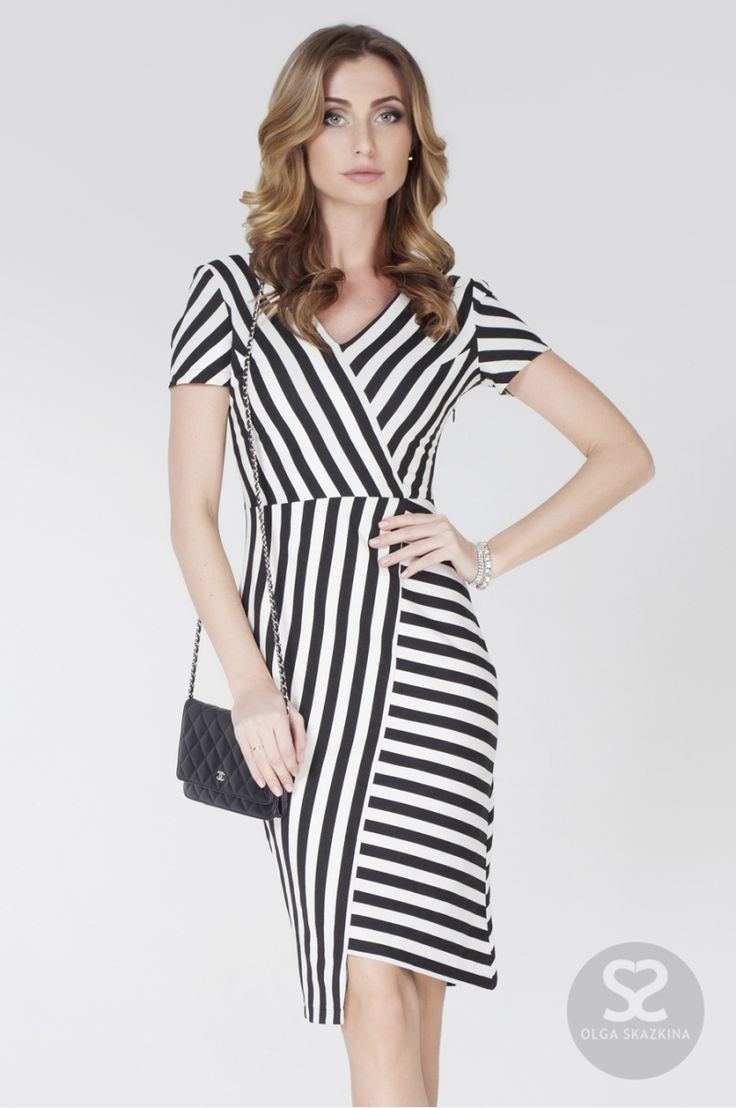 Стильное платье в черно-белую полоску в интернет-магазине дизайнера | Skazkina