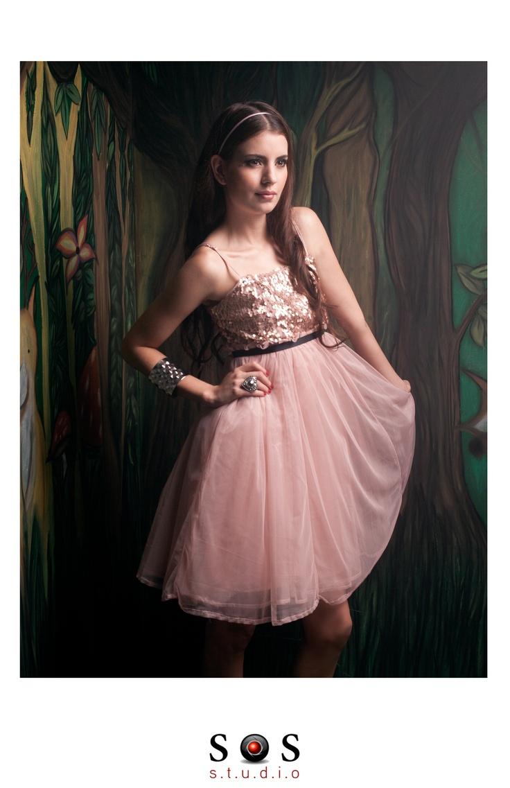 Fotografía y producción: SOS STUDIO Maquilladora: Farley Montoya