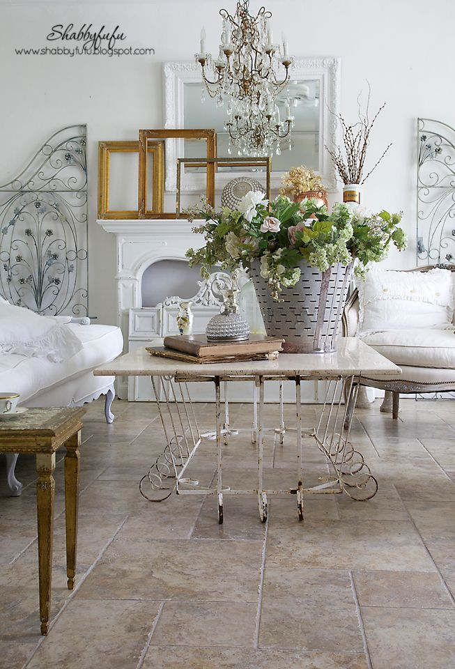 Elegant fall ideas for your home on the blog at shabbyfufu and how to combine elements in layers