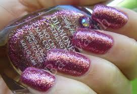 Ele endurece as unhas instantaneamente. Sua fórmula possui micro diamantes  que endurecem as unhas e evita lascas e descamações. Esmaltes Sally Hansen. www.brasilcosmeticos.biz