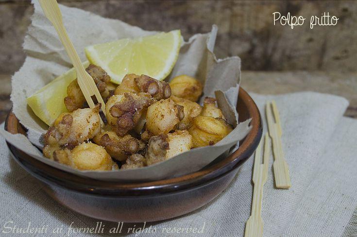 Il polpo fritto è un antipasto a base di pesce sfizioso e semplice da preparare, un'alternativa alla classica insalata di polpo.