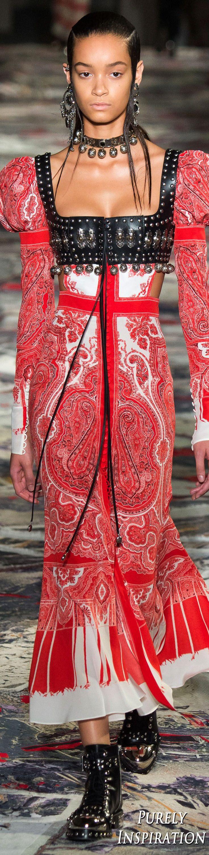 Alexander McQueen SS2017 Women's Fashion RTW | Purely Inspiration