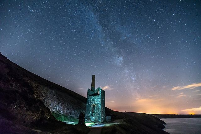 Milky Way over Coastal Cornish Tin Mine | Flickr: Intercambio de fotos