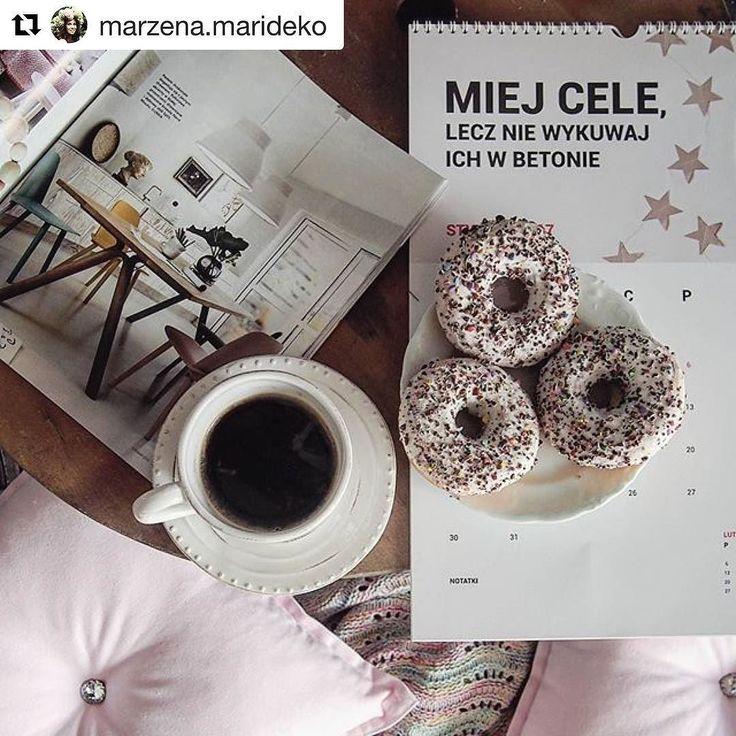 Czy znacie @marzena.marideko? Gdy tylko poznałam jej profil to przepadałam na amen a mój gabinet już od dawna zdobią jej cudowne łapacze snów! Nie mogłam sobie odmówić pochwalenia się tym że kalendarz PSC rownież się na tym profilu znalazł  @marzena.marideko - dziękuję  #inspiration #calendar #thinkpink #coffee #motovating #psc #paniswojegoczasu #maridekoprzytulnydom #marideko #kalendarzpsc