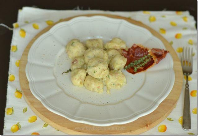 Le pellegrine Artusi: Gnocchi di patate e speck con cuore di fontina