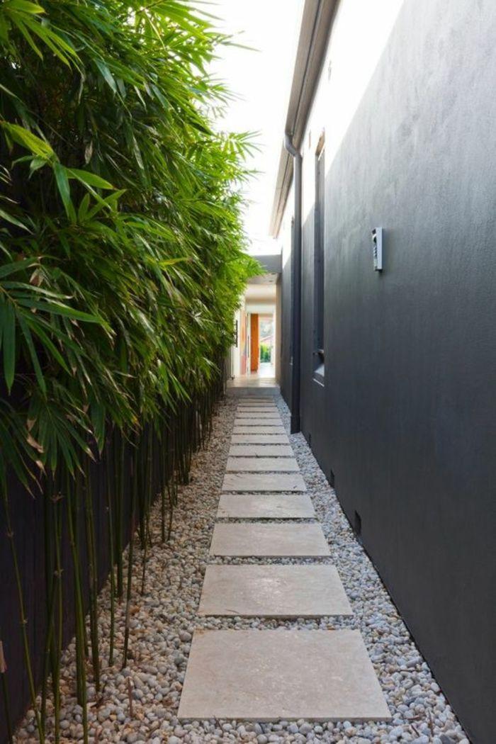 Vorgarten mit Kies gestalten Steinweg im Eingangbereich