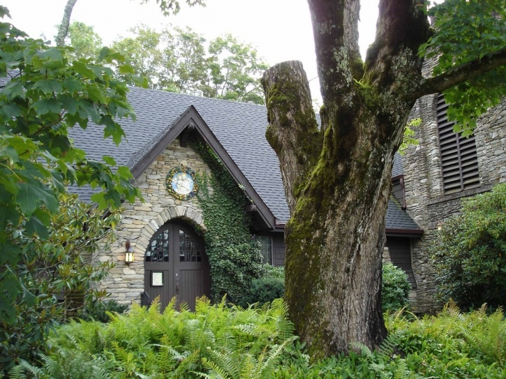 The Episcopal Church in Blowing Rock from Loving Mitford: The Town of Blowing Rock » Talk of the House
