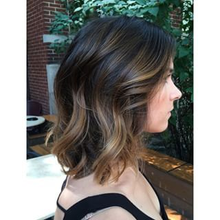 The whole idea is to look great without making too many changes to your natural hair color… | 21 Delightful Ideas For Lightening Your Hair Without An Ombre