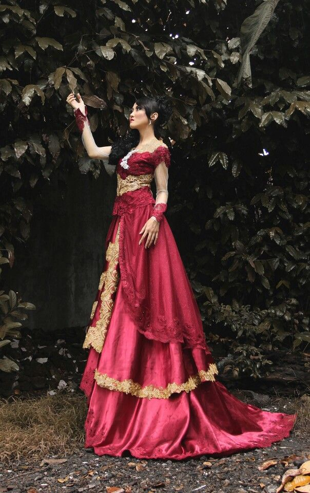 Kebaya Modern Wedding Dress