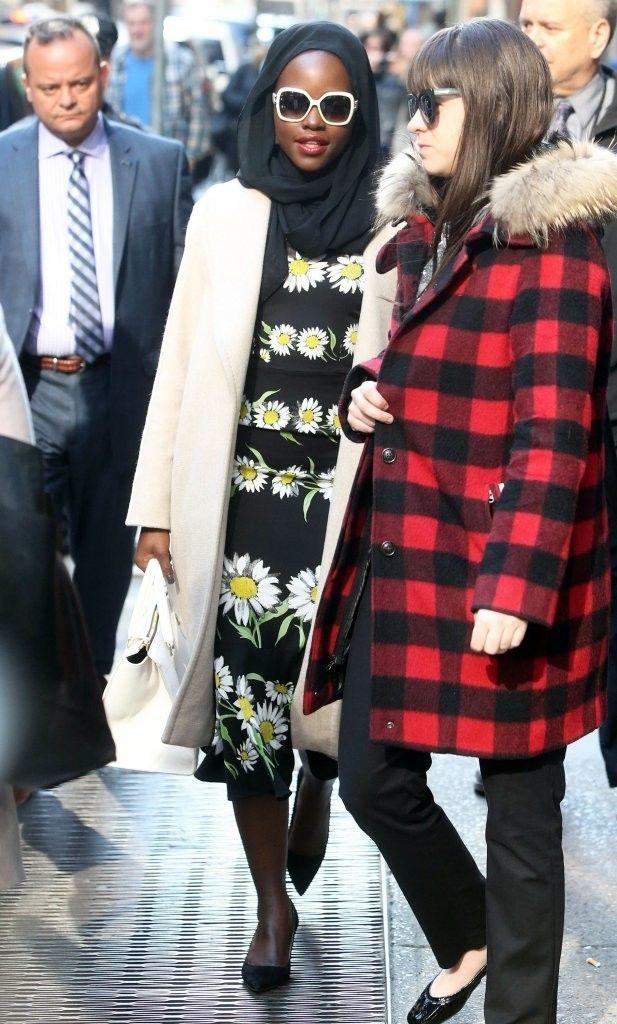 Lupita Nyong'o Photos Photos - Lupita Nyong'o stops by ABC Studios in New York City for an appearance on 'Good Morning America' on April 14, 2016.  - Lupita Nyong'o Stops By 'Good Morning America'