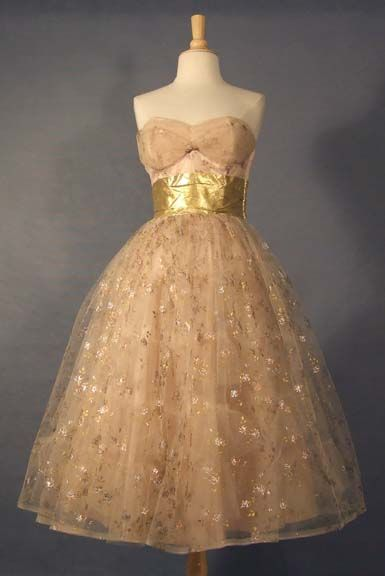 Strapless Tulle 1950's Prom Dress: Princesses Dresses, Vintage Prom Dresses, Bridesmaid Dresses, Tulle 1950S, Silver Paintings, Strapless Tulle, Gold Gowns, 1950S Prom Dresses, Vintage Clothing