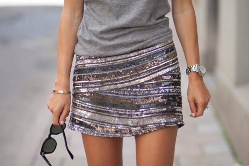 perfect look: Miniskirt,  Minis, Fashion, Minis Skirts, Style, Sequins Skirts, Sparkly Skirt, Tshirt, T Shirts