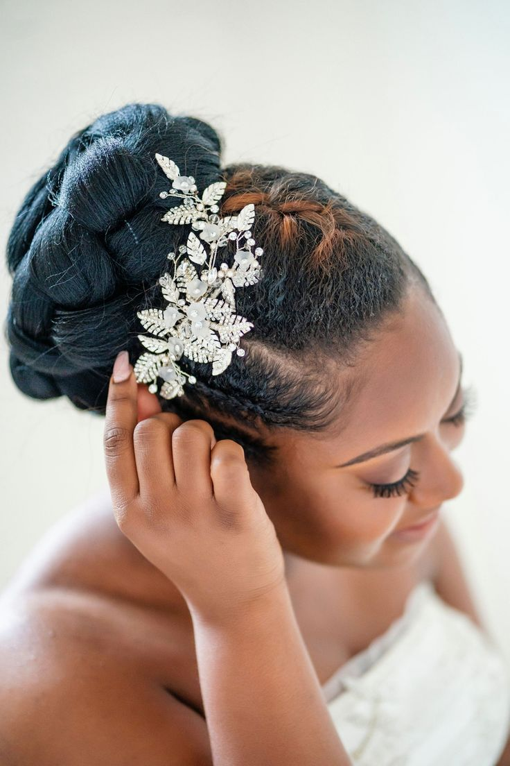 little things borrowed : rent your wedding accessories