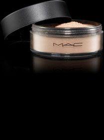 Poudre matifiante/libre conçue pour absorber le sébum et matifier la peau sans effet poudreux. (8g 24.5e)