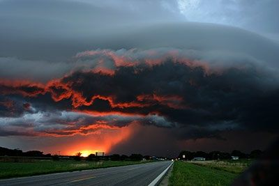 I wanna go storm chasing!