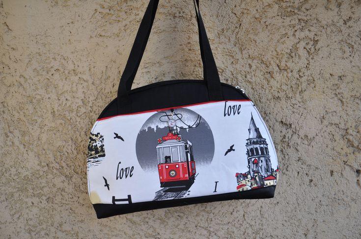 Galata torony, Boszporusz híd, Tünel villamos. Isztambul nevezetességei táskákon, neszeszereken, mobil tokokon. Istanbul ihlette, egyedi kézműves táskáink aktuális kínálatáról blogunkon érdeklődhetsz: www.istanbul.blog.hu