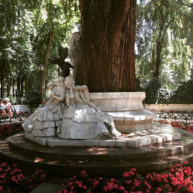 #sevilla #andalucia #spain #park #stubbing #wanderlust #travel #sun #beautiful by sharon.nahal