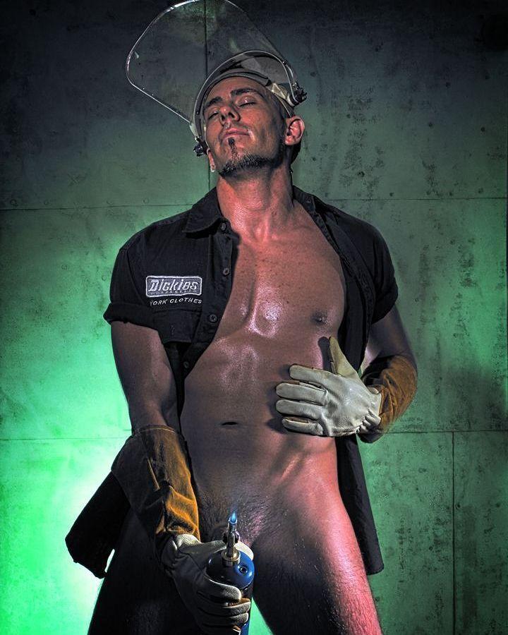 Torch  #torch #welding #sexymen #hotguys #stud #instastud #instagay #mensfitness #malemodel #male #men #malephysique #scorchinghot #hotmen #modelingportfolio #modeling #pecs #abs
