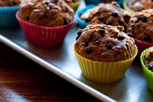 I muffin all'arancia, mirtilli e noci pecan, un dolce peccato di gola