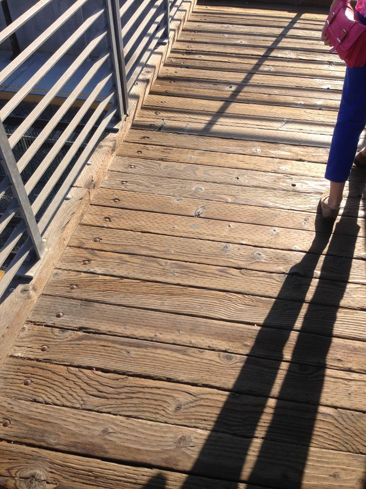 Wooden bridge (USA, California, august 2013)