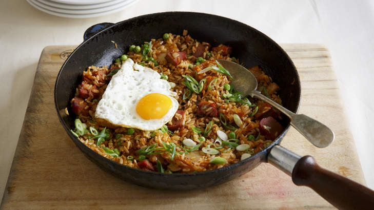 Korean fried rice is perfect as a last-minute dinner idea. Feel free to replace the peas with other vegetables, and chunky-cut bacon fried until golden instead of the red pork.