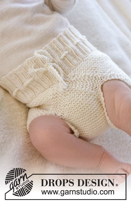 Pamper your little baby with soft and natural wool underwear by #dropsdesign #knitting #babydrops25