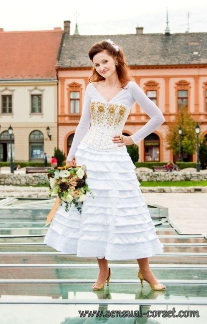 "Egyedi varratasu menyasszonyi acelmerevitos fuzo 22"" - Custom Made Bridal Steel Boned Corset 22"" Photo by Adri"