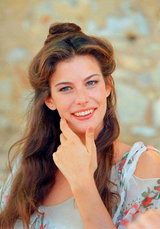Liv Tyler : Stealing Beauty (1996)