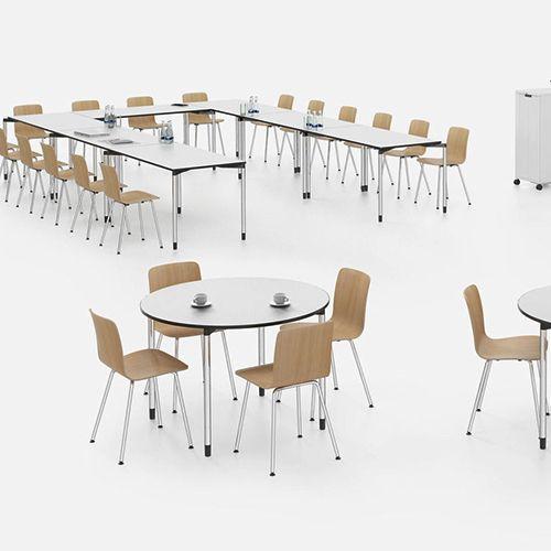 Map borde er et universelt bord for situationer, der kræver fleksible konfigurationer og optimal udnyttelse af rummet. #kontormøbler #kontor #kontorindretning #borde