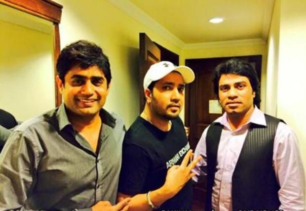 Mika Singh, Abrar ul Haq & Javed Bashir in Lahore: Three supper stars king of singing Mika Singh, Abrar ul Haq & Javed Bashir each other in Lahore, Mika Singh visited Lahore for performing.