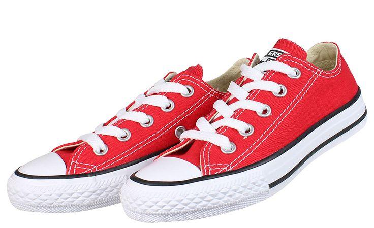 Πάνινα+σταράκια+της+εταιρίας+CONVERSE+σε+χρώμα+κόκκινο+με+κορδόνια+για+καλύτερη+εφαρμογή+και+άνεση.  ΥΛΙΚΟ:+Ύφασμα.  ΣΗΜΕΙΩΣΗ:+Έχει+μεγάλο+καλούπι,επιλέξτε+ένα+νούμερο+μικρότερο.