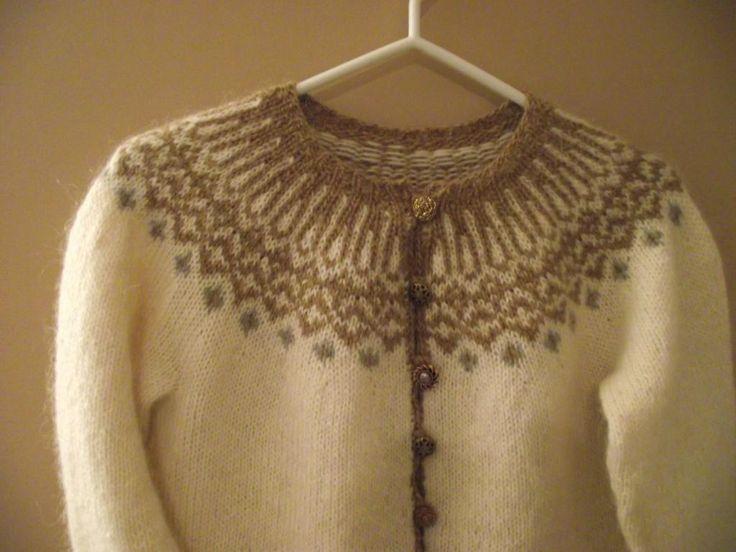 Sandra's Maren - The Top-Down Icelandic Sweater